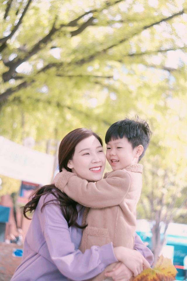 Phí Thùy Linh chia sẻ kinh nghiệm du lịch Hàn Quốc cùng con trai nhỏ - 2