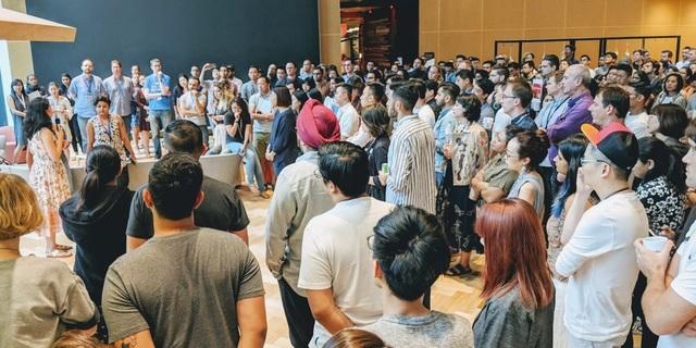 Nhân viên Google tại Singapore tham gia một buổi hội thảo mở bàn luận về vấn đề gây nhức nhối.