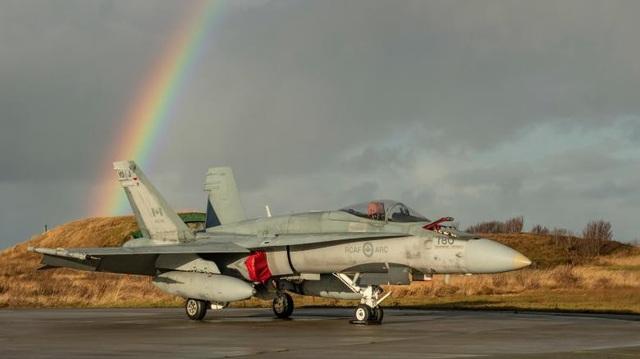 Máy bay CF-188 Hornet của không quân Hoàng gia Canada chuẩn bị diễn tập tại Bodo, Na Uy.