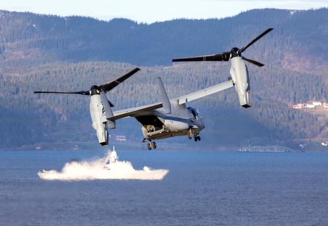 Máy bay Bell-Boeing V-22 Osprey bay tại khu vực Trondheim, Na Uy.