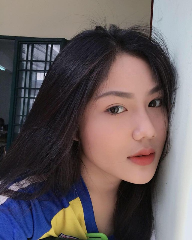 4 nữ sinh xinh đẹp, dáng chuẩn học trường THPT Bình Hưng Hoà, TP.HCM - 13