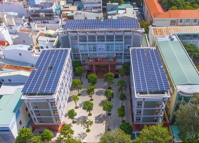 Mô hình điện mặt trời áp mái được EVN SPC triển khai mạnh mẽ thời gian qua.