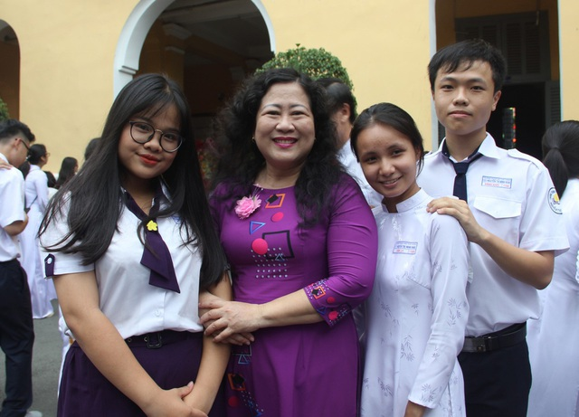 Cô là giáo viên cực kỳ thân thiện, phúc hậu trong mắt học trò