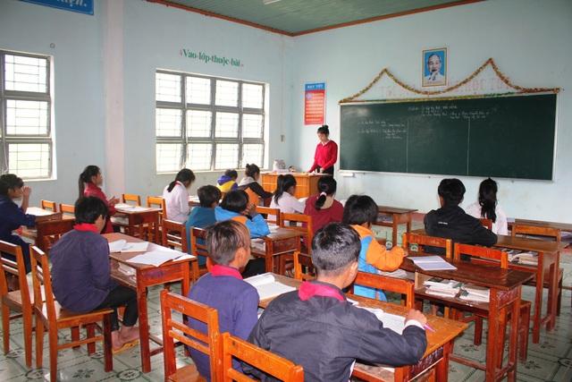 Ở xã Kon Pne đa số là con em đồng bào dân tộc thiểu số người Banar nên đời sống còn khó khăn, trình độ dân trí thấp nên công tác giáo dục rất khó khăn