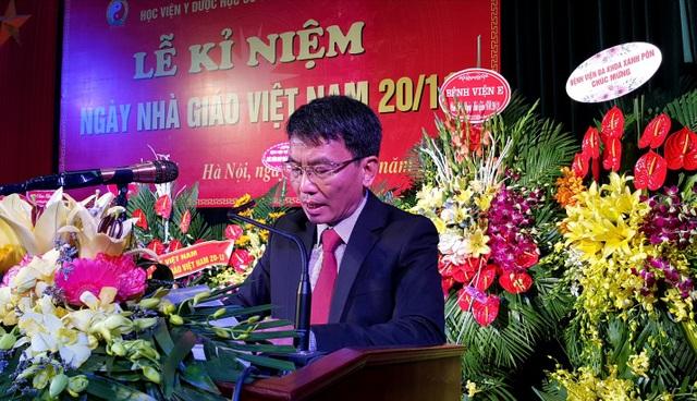 PGS.TS Phạm Quốc Bình, Phó Giám đốc Học viện YDHCT VN phát biểu.
