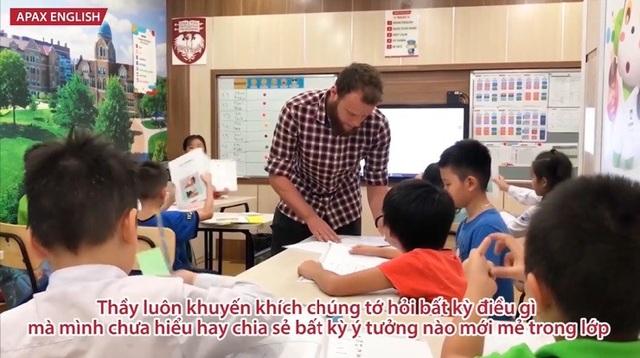 Clip bằng tiếng Anh do hai bạn nhỏ đến từ Apax English gửi đến để lại ấn tượng với nhiều người.