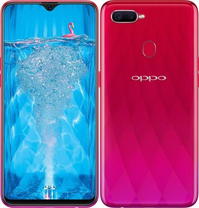Oppo F9 cũng sở hữu camera kép và mặt lưng đổi màu.