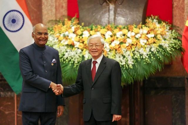 Tổng Bí thư, Chủ tịch nước Nguyễn Phú Trọng nhiệt liệt chào mừng Tổng thống Ấn Độ Ram Nath Kovind có chuyến thăm đầu tiên tới Việt Nam kể từ khi nhậm chức Tổng thống tháng 7/2018.
