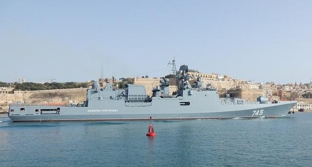 Chính vì vậy trong nội bộ nước Nga đã có đề xuất cho rằng để tránh việc chúng bị hoen gỉ tại cảng thì hãy vớt vát chút ngoại tệ bằng cách bán lại cho Ấn Độ.