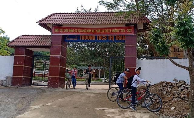 Trường THCS thị trấn Lang Chánh, nơi xảy ra sự việc.