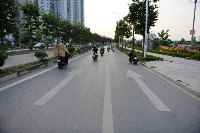 Tuyến phố rất sạch sẽ và thông thoáng.