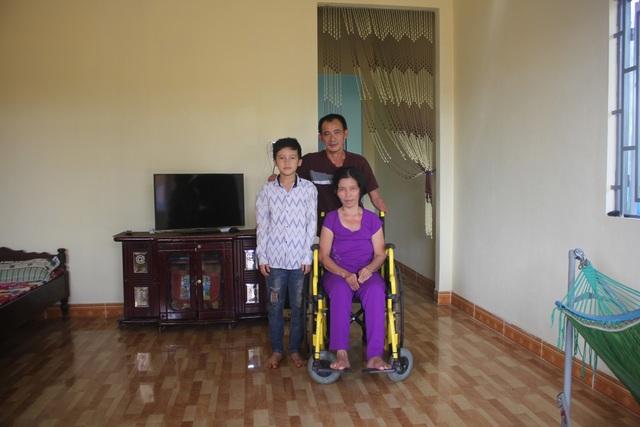 Nhờ sự hỗ trợ của bạn đọc báo Dân trí và chính quyền địa phương, gia đình anh Hồng đã vượt lên cuộc sống