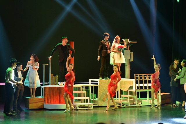 Nhà hát Tuổi trẻ cũng vừa sát nhập 3 đoàn kịch lại làm 1.
