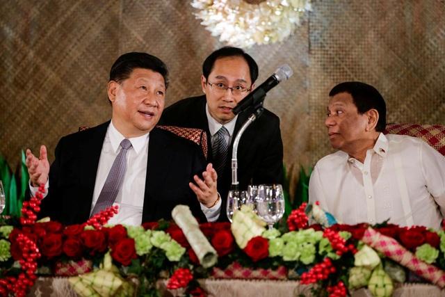 Tổng thống Rodrigo Duterte chủ trì quốc yến đón Chủ tịch Tập Cận Bình tại Manila. (Ảnh: Reuters)