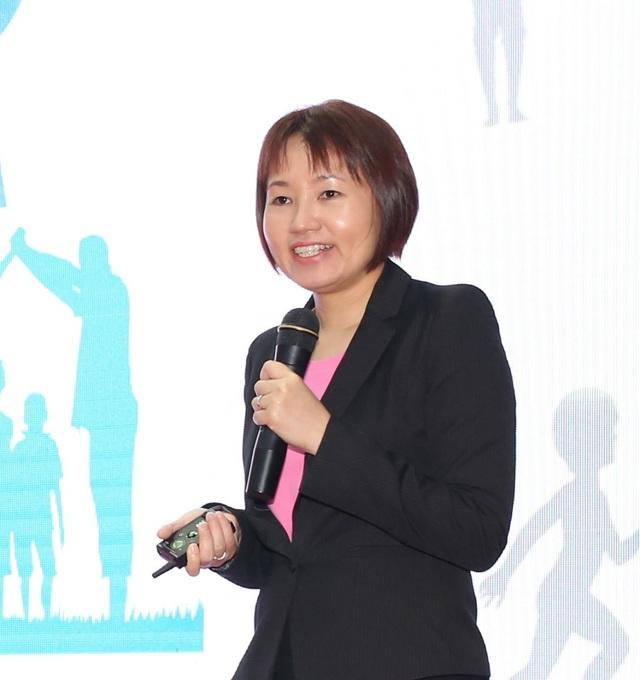 Tiến sĩ Yen Ling Low, Giám đốc Trung Tâm Nghiên cứu & Phát triển Dinh dưỡng của Abbott tại châu Á - Thái Bình Dương