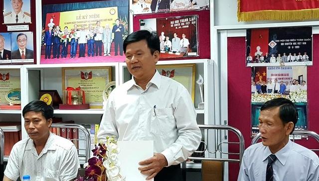Ông Nguyễn Như Lĩnh (Thái Bình) tác giả mô hình 'máy thái cỏ phục vụ chăn nuôi gia súc, gia cầm' đạt giải.