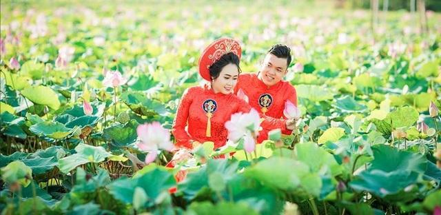 Khu du lịch đang thu hút khách du lịch đến tham quan chụp hình và trải nghiệm không khí trong lành của một làng quê yên bình