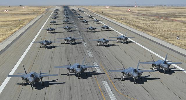 36 máy bay F-35A tập trận Voi đi bộ (Ảnh: Không quân Mỹ)