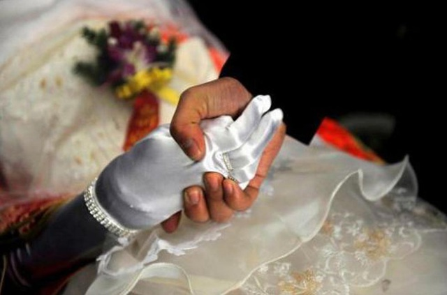 Đám cưới ma là một hủ tục ở những vùng nông thôn hẻo lánh tại Trung Quốc