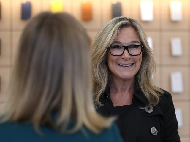 Nữ giám đốc không biết nhiều về công nghệ nhưng hưởng lương cao nhất tại Apple - 10