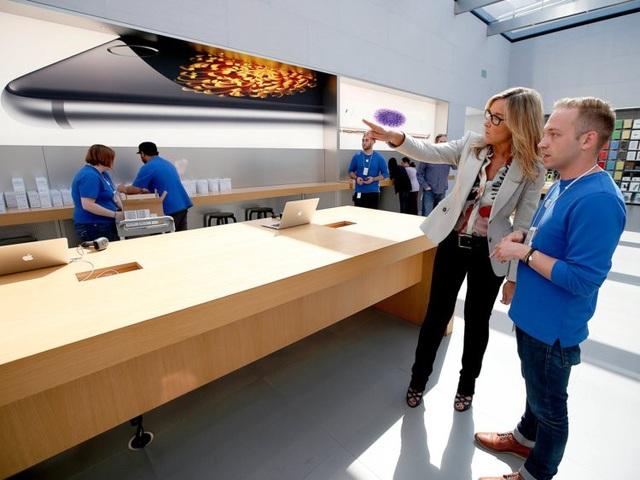 Nữ giám đốc không biết nhiều về công nghệ nhưng hưởng lương cao nhất tại Apple - 13
