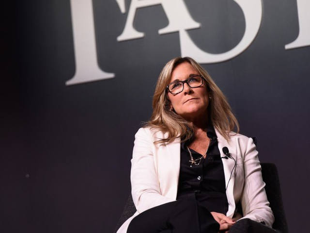 Nữ giám đốc không biết nhiều về công nghệ nhưng hưởng lương cao nhất tại Apple - 15