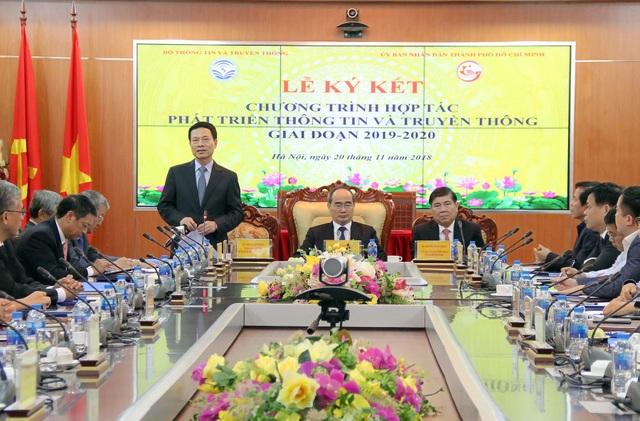 Bộ trưởng Bộ TT&TT Nguyễn Mạnh Hùng. Ảnh: Bộ TT&TT