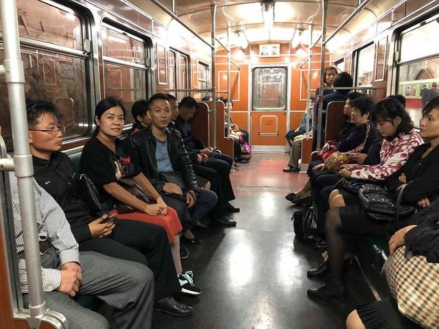 Khám phá tàu điện ngầm Bắc Triều Tiên cũng là một trải nghiệm thú vị