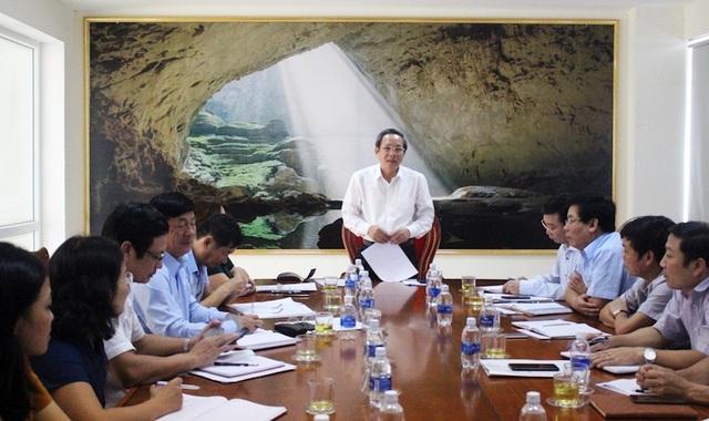 Ông Hoàng Đăng Quang, Bí thư Tỉnh uỷ Quảng Bình trong cuộc làm việc với Sở Nội vụ về việc sắp xếp, kiện toàn bộ máy các đơn vị sự nghiệp công lập thuộc khối chính quyền, công tác tinh giản biên chế (Ảnh: N.M).