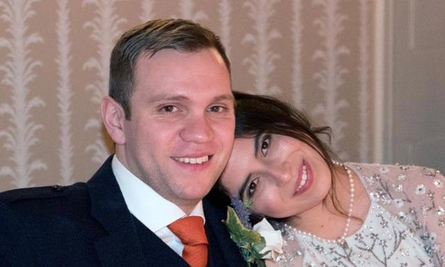 Anh Matthew Hedges và vợ (Ảnh: EPA)