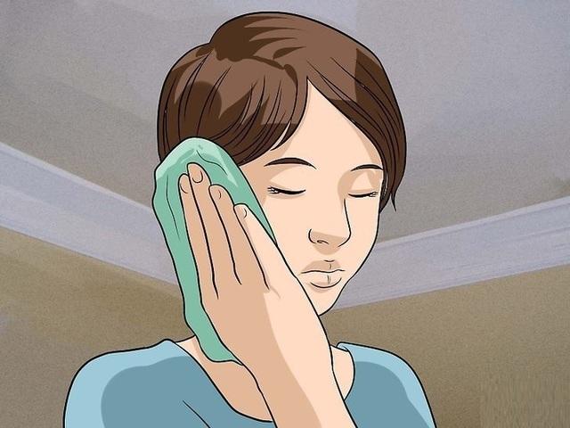 Viêm tai giữa có thể gây ù tai, ve kêu trong tai