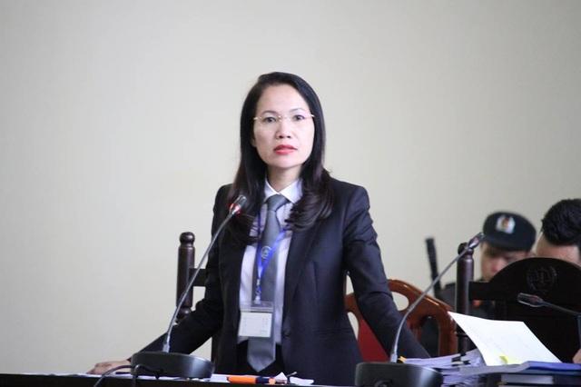 Luật sư Trần Hồng Phúc tại tòa sáng 22/11.