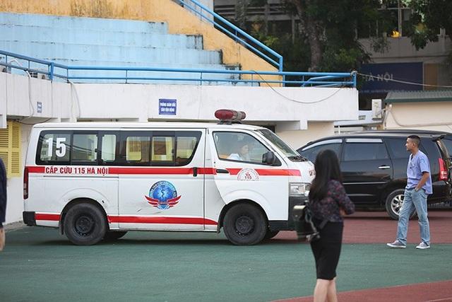Xe cứu thương cũng được chuẩn bị sẵn sàng