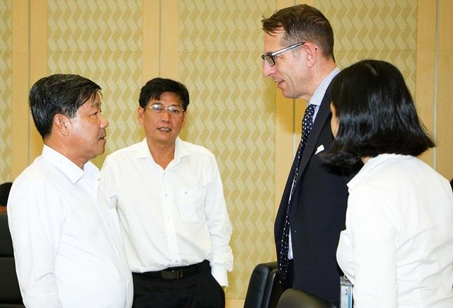 Lãnh đạo tỉnh Bình Dương trao đổi với Tiến sĩ Frank-Jürgen Richter – Chủ tịch và Người sáng lập Horasis về công tác chuẩn bị cho Diễn đàn Hợp tác Kinh tế Châu Á Horasis 2018.