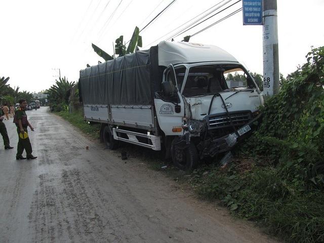 Hiện trường vụ tai nạn làm đại úy Nguyễn Văn Kha tử vong (ảnh Cổng thông tin công an An Giang)