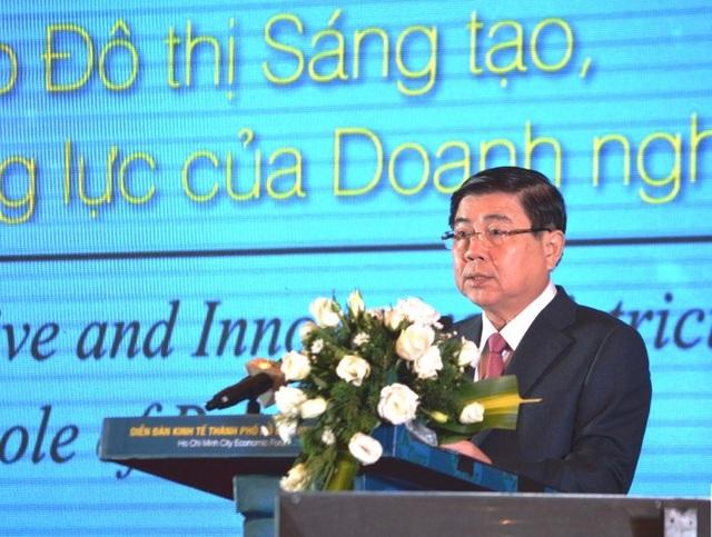 Chủ tịch UBND TPHCM Nguyễn Thành Phong phát biểu tại Diễn đàn Kinh tế TPHCM 2018.