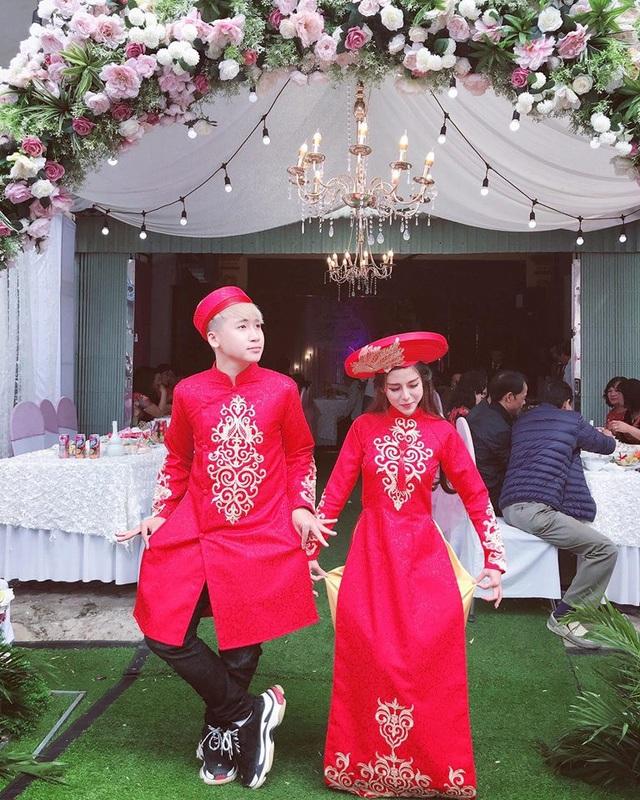 Hot vlogger Huy Cung bất ngờ làm đám hỏi cùng bạn gái xinh đẹp - 2