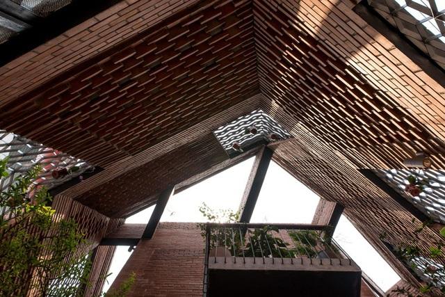 Nhà Hang Gạch nhận giải WAN ngôi nhà của năm 2018 - 11