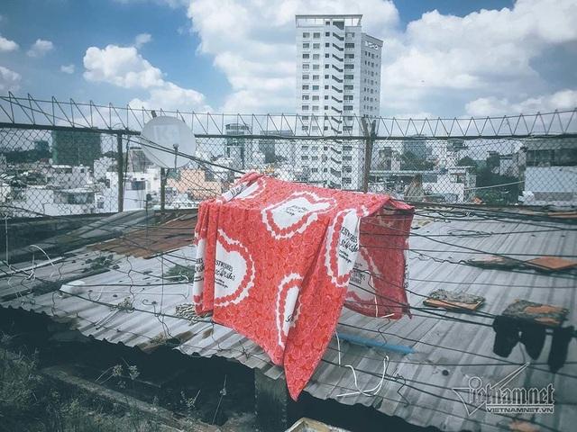 Cuộc sống trong chung cư 40 tuổi phải di dời gấp ở phố Tây Sài Gòn - 13
