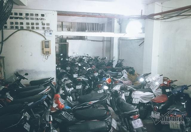 Khu vực để xe của chung cư có diện tích nhỏ.