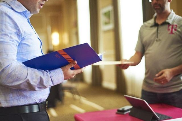 Số người lần đầu xin trợ cấp thất nghiệp tại Mỹ tăng cao nhất trong vòng 4 tháng. Ảnh: bloomberg.com