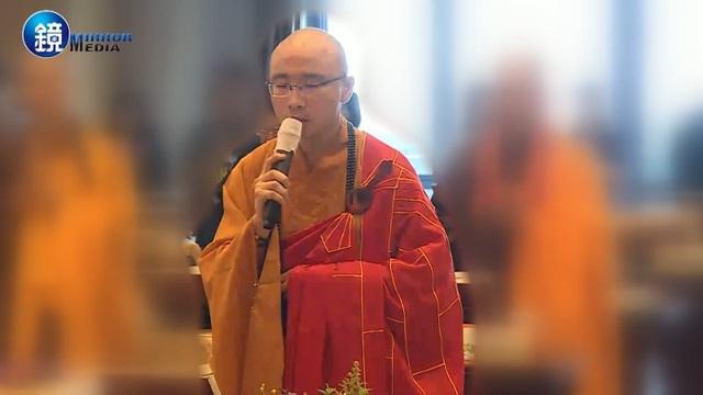 Nhà sư Kai Hung trước khi bị đuổi khỏi chùa. (Ảnh: Dailymail)