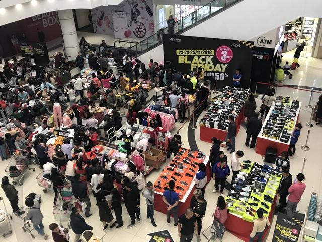 Cảm thấy không hiệu quả, nhiều cửa hàng chuyển hướng giảm giá sau đợt Black Friday