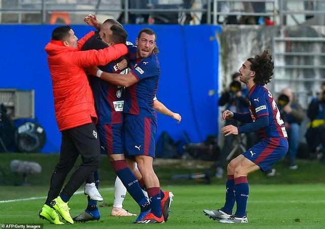 Niềm hạnh phúc của các cầu thủ Eibar