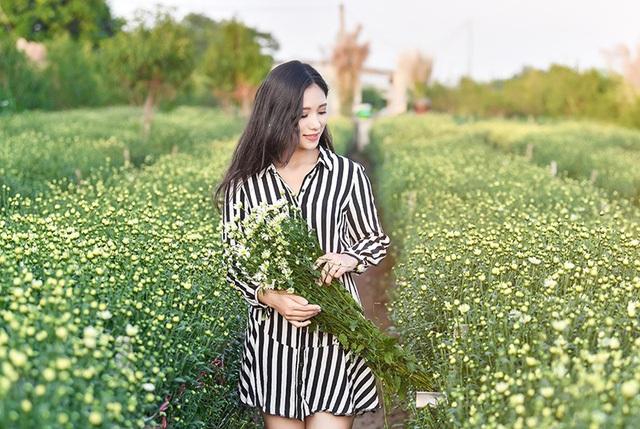 Ngoài ra nếu hoa thêm hoa chụp ảnh, mỗi bó hoa có giá khoảng 15-20 ngàn đồng