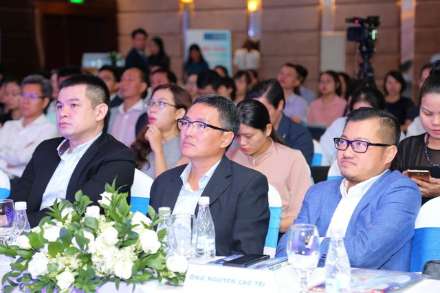 Nhiều chuyên gia kinh tế và đại diện các hiệp hội doanh nghiệp trao đổi về Chiến tranh thương mại Mỹ - Trung.