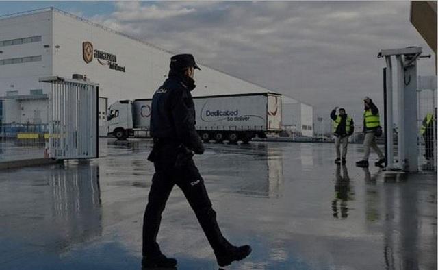 Công nhân của một cửa hàng Amazon ở Tây Ban Nha đã đình công vào ngày bán hàng Black Friday. (Ảnh: Ndtv)