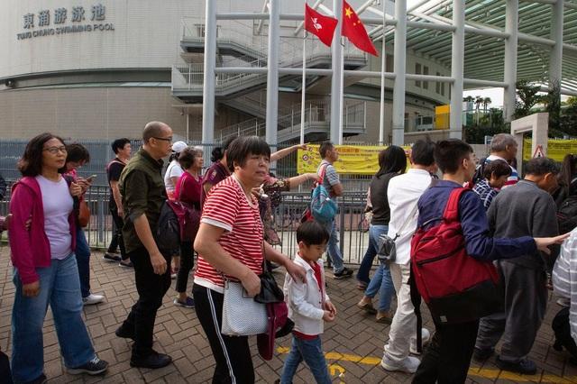 Du khách Trung Quốc tại Hong Kong (Ảnh: New York Times)