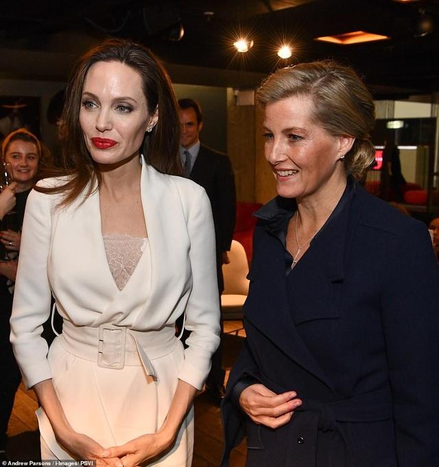 Angelina Jolie thanh lịch dự sự kiện tại London cùng Sophie, Nữ bá tước xứ Wessex