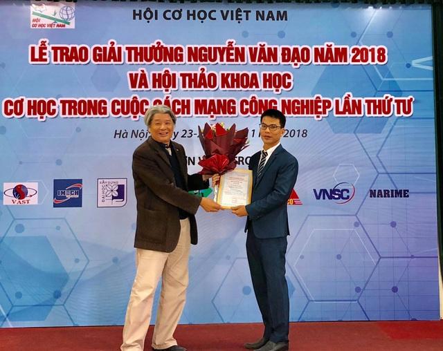TS Vũ Văn Trường nhận Giải thưởng Tài năng cơ học Nguyễn Văn Đạo.